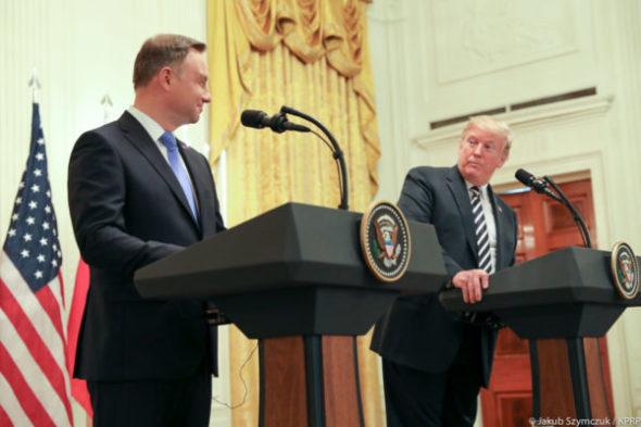 Andrzej-Duda-i-Donald-Trump-600×600-590×2000
